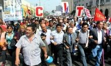 Miles de trabajadores salieron a las calles en Lima y provincias