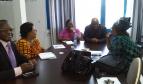 SOLSICO en consultation avec l'agent de promotion de la santé de l'OMS en RDC
