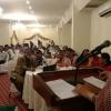 Shama Gulani, secretaria general de ASLEHWA, se dirige a los asistentes de la reunion de Karachi