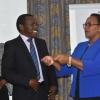 Sicily Kariuk, Secretaria del Gabinete de Salud, y James Wambugu, presidente del panel de expertos. Fotografía: Ministerio de Salud de Kenia