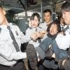 La police coréen enlève une manifestante