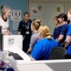 Le personnel de santé discutent du plan à long terme avec la Première Ministre Theresa May